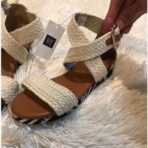 Little girls Gap sandals